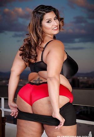 Latina Ass